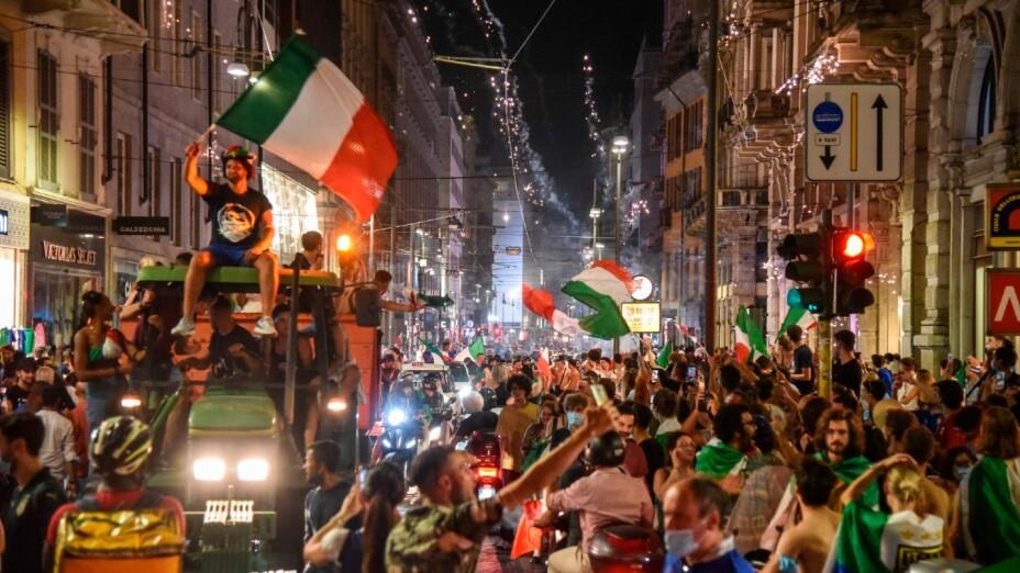 Afición de Italia celebra la Euro 2020
