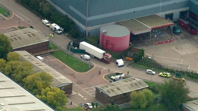¡De terror! Policía británica halla 39 cadáveres en el contenedor de un camión, arresta al conductor