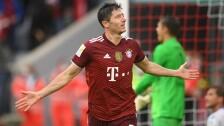 Robert Lewandowski celebra con el Bayern