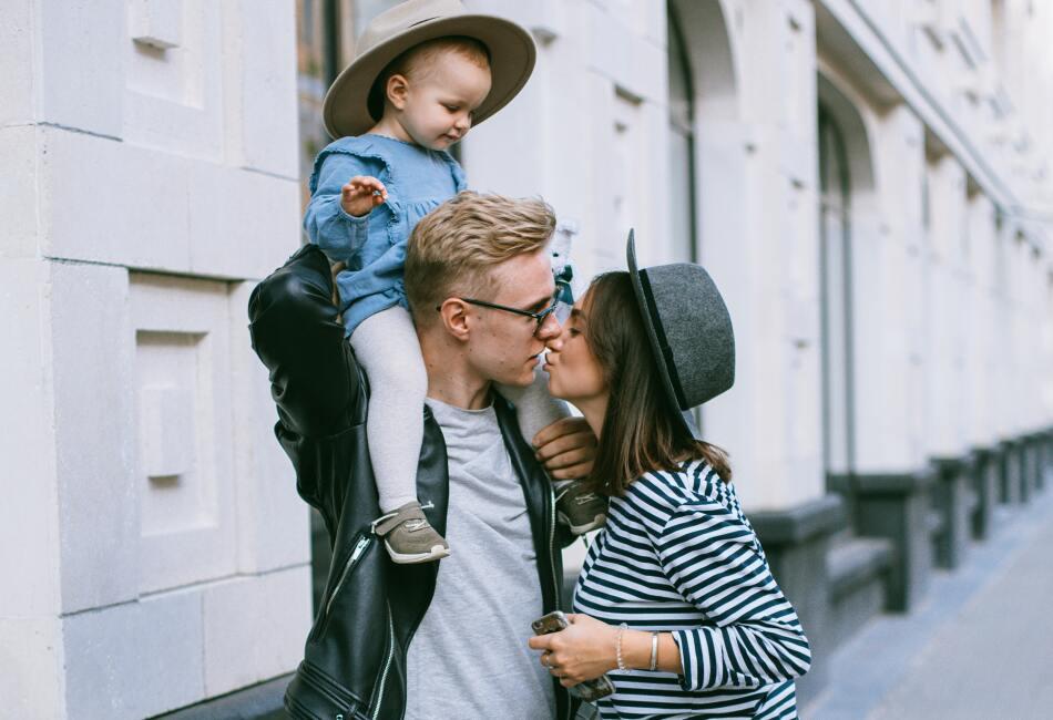 Al mover diversos músculos durante el beso, nuestra cara se tonifica e incluso se puede ver más joven.