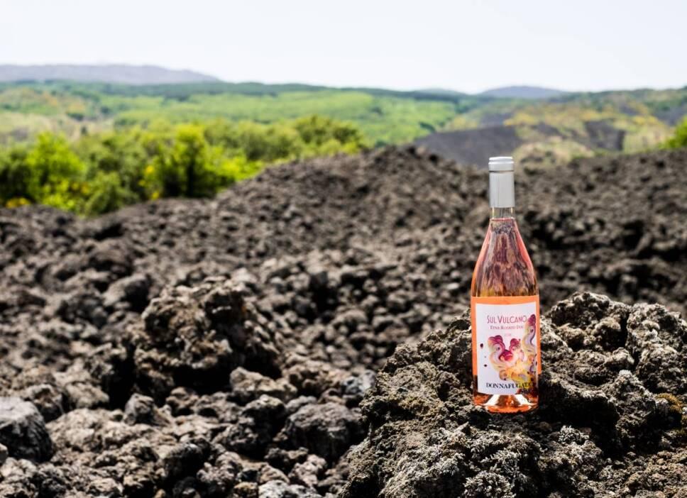 etna vino volcanico italia