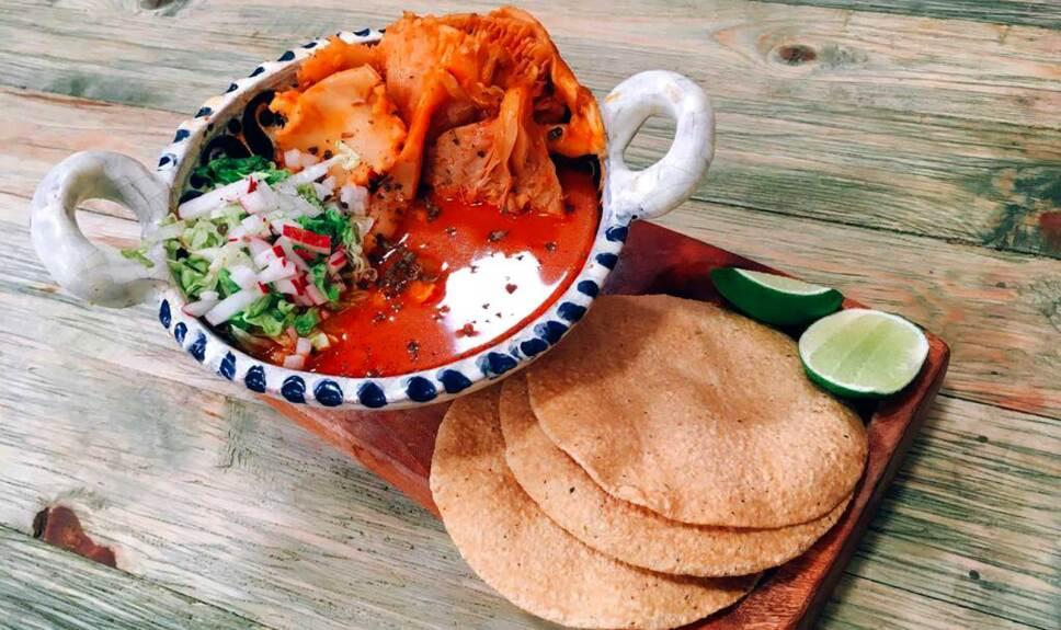 Receta Pozole de hongos Cocineros Mexicanos