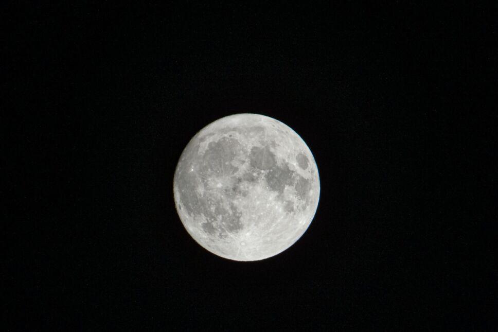 Rituales de Luna llena para atraer abundancia y buena energía