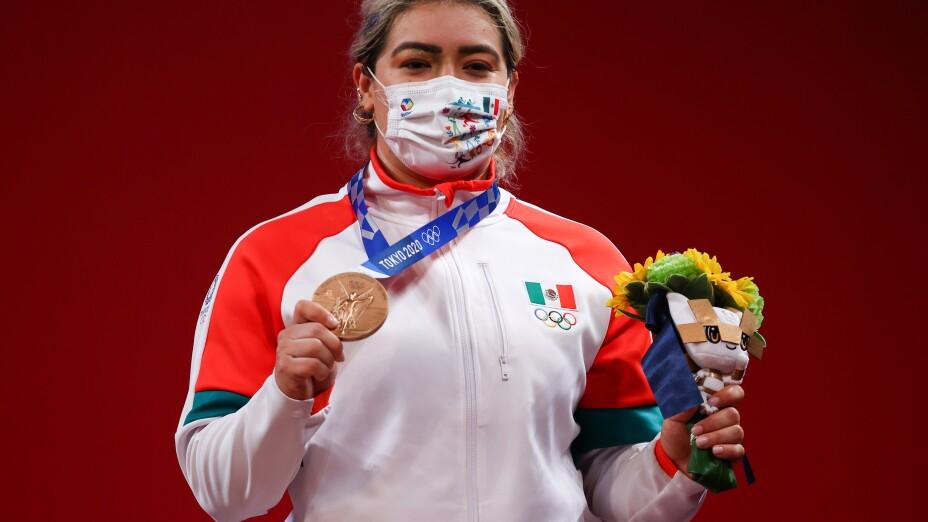 La mexicana Aremi Fuentes ganó medalla de bronce en levantamiento de pesas