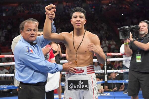 Jaime Munguía, boxeador mexicano