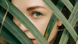 Cómo desmaquillar tus ojos para evitar arrugas