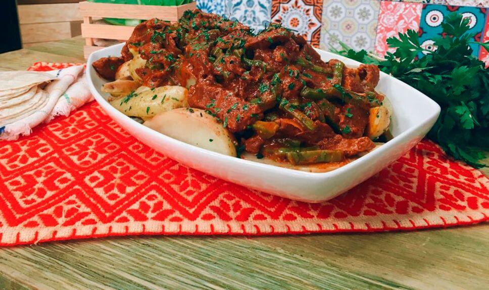Receta Puntas de aguayón en salsa morita con nopales y papas
