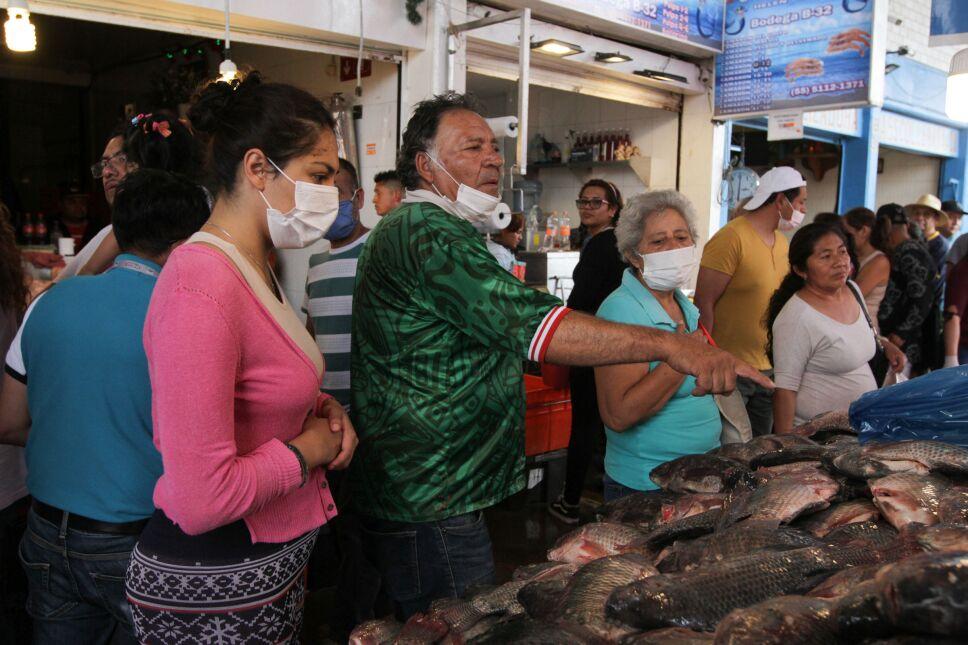 Gran afluencia de compradores en La Viga