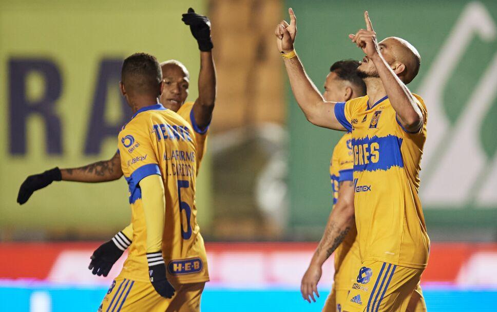 Carlos González es alabado en Tigres