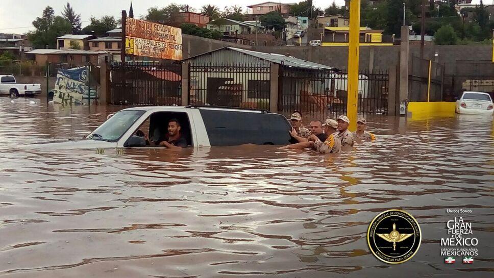 Fuertes lluvias provocan inundaciones en Nogales