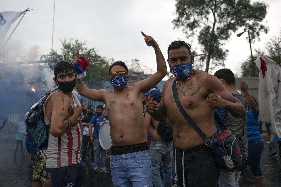 Cruz Azul aficionados