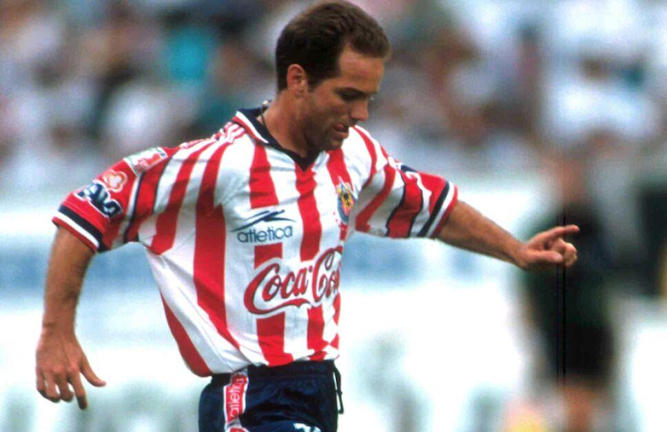 Luis García vistió la playera de Chivas y América