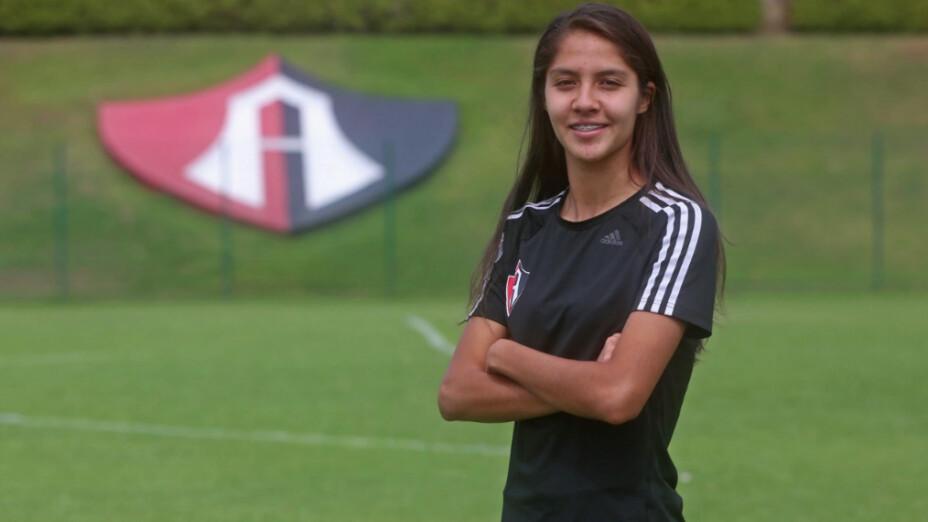 Alison González pelea por el título de goleo